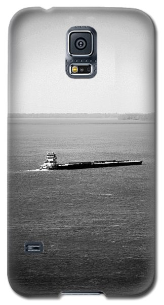 Tug Boating Up The Mississippi River Galaxy S5 Case by Max Mullins