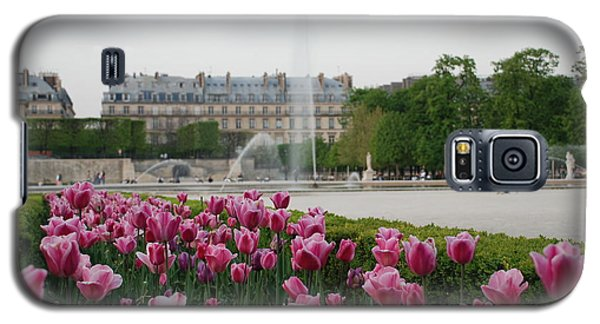 Galaxy S5 Case featuring the photograph Tuileries Garden In Bloom by Jennifer Ancker