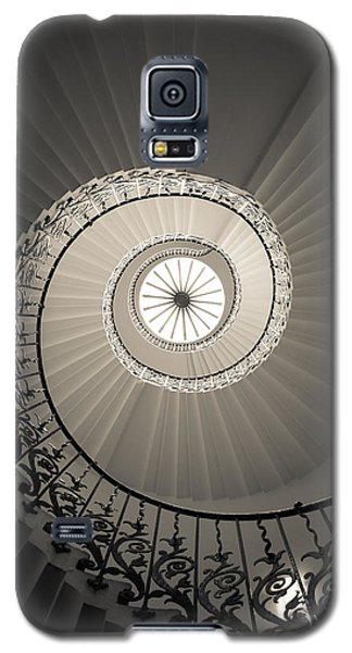 Tulip Stairs From Below Galaxy S5 Case by Ross Henton