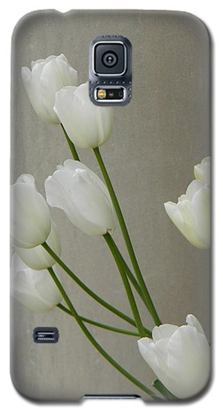 Tulips Against Pillar Galaxy S5 Case