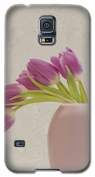 Tulips And Lace Galaxy S5 Case by Sandra Foster