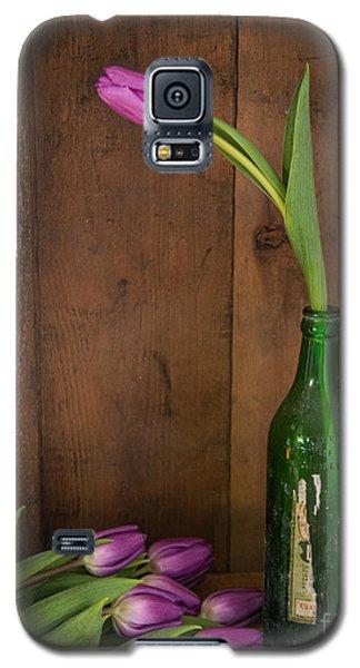 Tulips Green Bottle Galaxy S5 Case by Alana Ranney