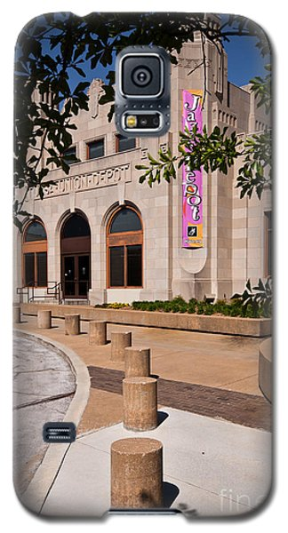 Galaxy S5 Case featuring the photograph Tulsa Union Depot by Lawrence Burry