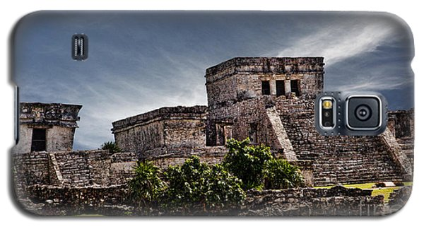 Galaxy S5 Case featuring the photograph Tulum by Shirley Mangini