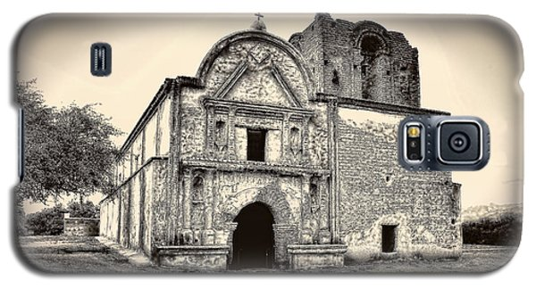 Galaxy S5 Case featuring the photograph Tumacacori  Mission ... by Chuck Caramella