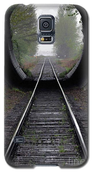 Tunnel Into The Mist  Galaxy S5 Case by Rod Wiens