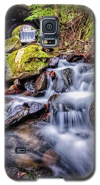 Tunnel Of Water Galaxy S5 Case