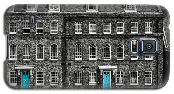 Turquoise Doors At Tower Of London's Old Hospital Block Galaxy S5 Case by James Udall