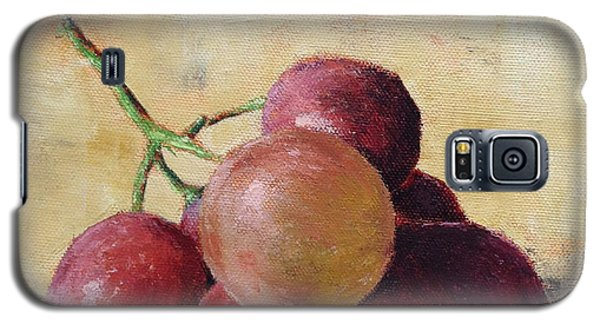Galaxy S5 Case featuring the painting Tuscan Red Globe Grapes by Pam Talley