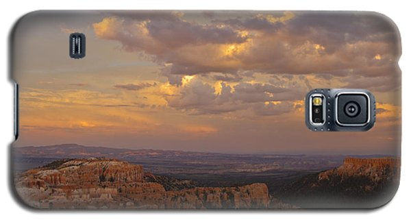 Galaxy S5 Case featuring the photograph Twilight At Bryce 100 by Tom Kelly