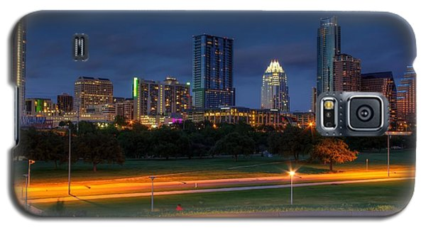 Galaxy S5 Case featuring the photograph Twilight Skyline by Dave Files