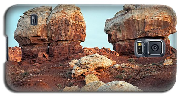 Twin Rocks At Sunrise Capitol Reef National Park Galaxy S5 Case
