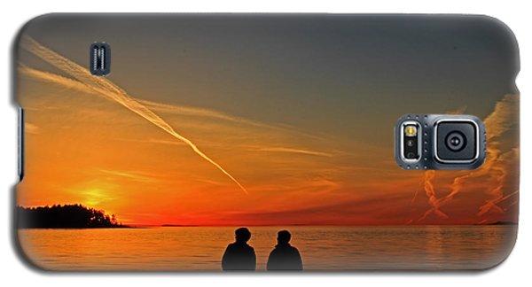Two Friends Enjoying A Sunset Galaxy S5 Case