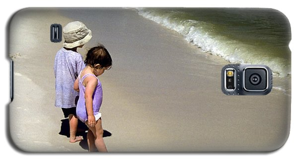 Two Kids At The Beach Galaxy S5 Case