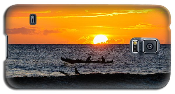 Two Men Paddling A Hawaiian Outrigger Canoe At Sunset On Maui Galaxy S5 Case