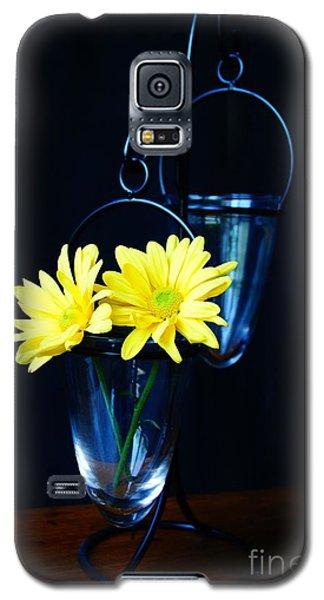 Two Yellow Daisies Galaxy S5 Case by Kerri Mortenson