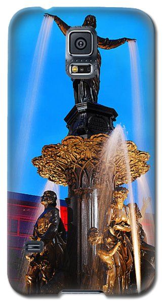 Galaxy S5 Case featuring the photograph Tyler Davidson Fountain by James Kirkikis