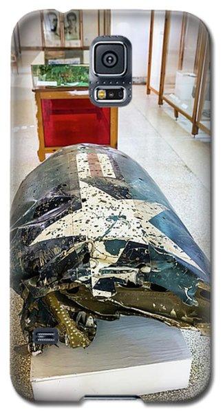 U2 Spy Plane Engine Wreck Galaxy S5 Case by Peter J. Raymond