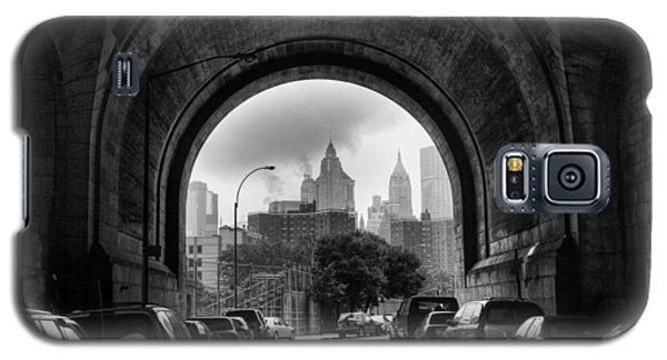New York City - Manhattan Bridge - Under Galaxy S5 Case