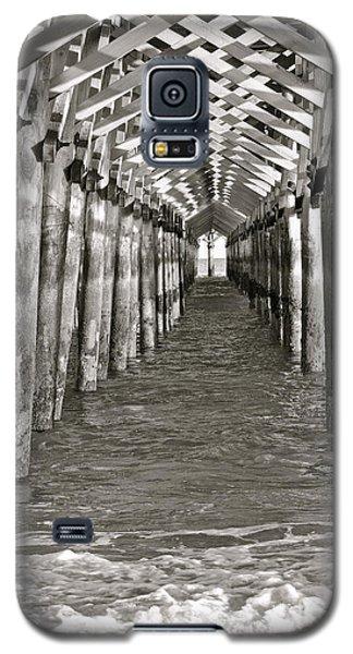 Under The Boardwalk - B/w Galaxy S5 Case by Eve Spring