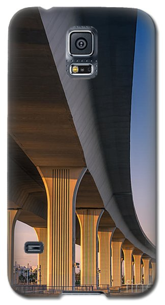 Under The Bridge Galaxy S5 Case