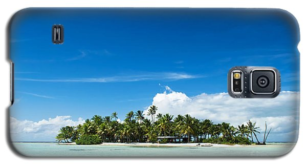 Uninhabited Island In The Pacific Galaxy S5 Case by IPics Photography