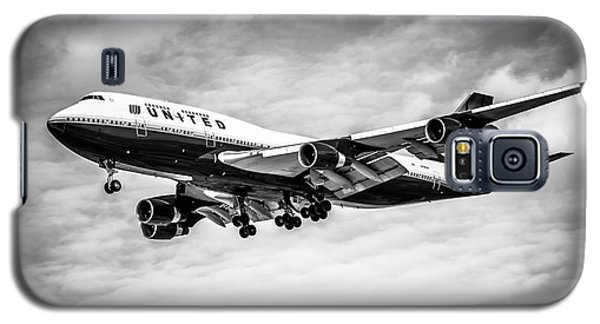 Airplane Galaxy S5 Case - United Airlines Airplane In Black And White by Paul Velgos