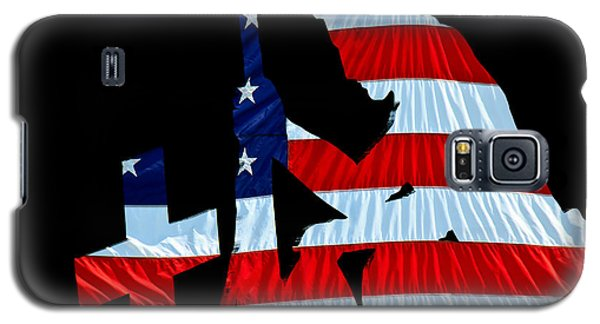 A Time To Remember United States Flag With Kneeling Soldier Silhouette Galaxy S5 Case
