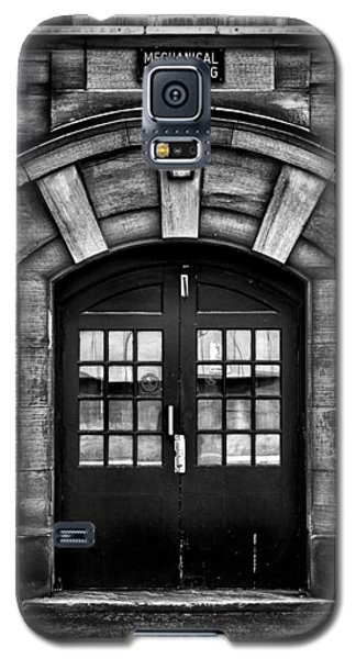 University Of Toronto Mechanical Engineering Building Galaxy S5 Case by Brian Carson