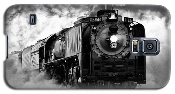 Galaxy S5 Case featuring the photograph Up 844 Steaming It Up by Bill Kesler