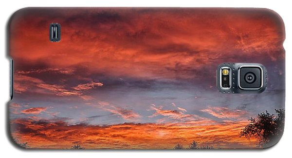 Galaxy S5 Case featuring the photograph Upper Arlington Sunrise by Beth Akerman