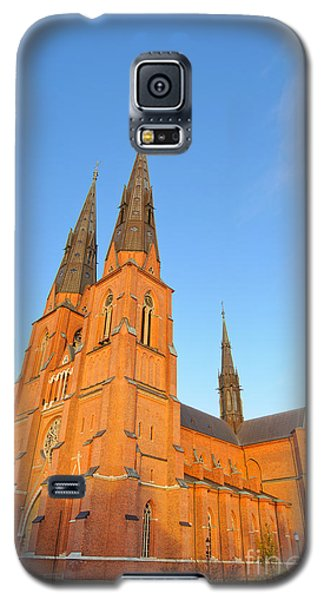 Uppsala Cathedral In Sweden - Glowing In The Evening Light Galaxy S5 Case