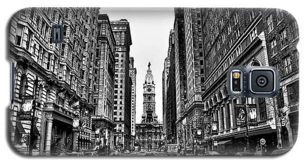 Urban Canyon - Philadelphia City Hall Galaxy S5 Case by Bill Cannon