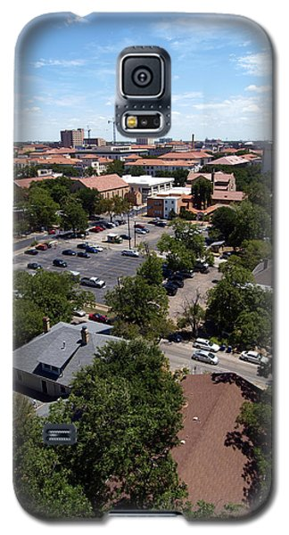Galaxy S5 Case featuring the photograph Ut Tower 2009 And Campus Area by James Granberry