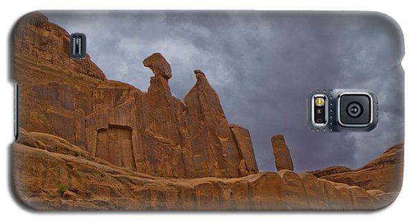 Galaxy S5 Case featuring the photograph Valley Of The Giants 60 by Tom Kelly