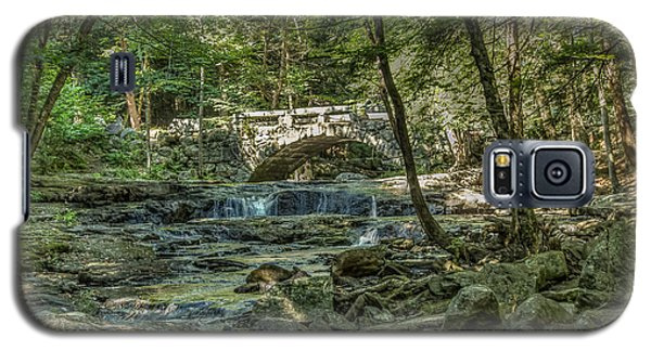Galaxy S5 Case featuring the photograph Vaughan Woods Bridge by Jane Luxton