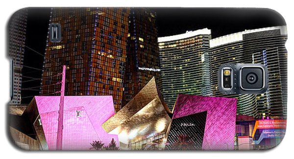 Galaxy S5 Case featuring the photograph Vegas by Kevin Ashley