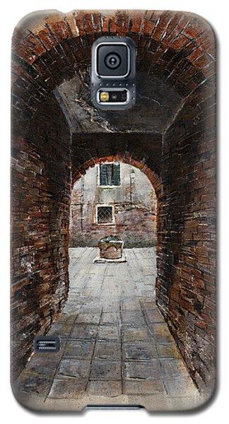 Galaxy S5 Case featuring the painting Venetian Courtyard 01 Elena Yakubovich by Elena Yakubovich