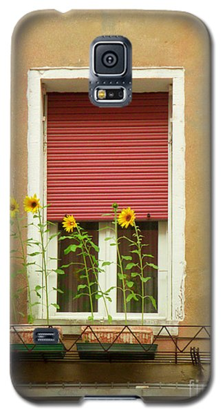 Venice Italy Yellow Flowers Red Shutter Galaxy S5 Case