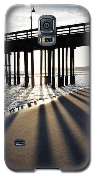 Galaxy S5 Case featuring the photograph Ventura Pier Shadows by Kyle Hanson
