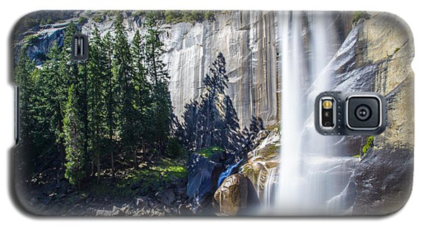 Galaxy S5 Case featuring the photograph Vernal Falls Yosemite by Mike Lee