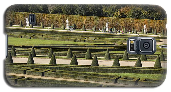 Galaxy S5 Case featuring the photograph Versailles Gardens by Glenn DiPaola