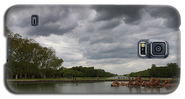 Galaxy S5 Case featuring the photograph Versailles Storm by Ross Henton