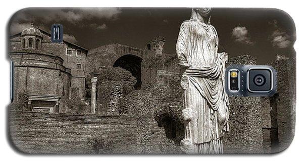 Vestal Virgin Courtyard Statue Galaxy S5 Case