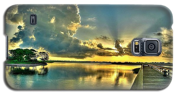 Veterans Pier Sunrise Galaxy S5 Case by Ed Roberts