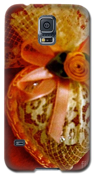Galaxy S5 Case featuring the photograph Victorian Lace Heart Study 2 by Cathy Dee Janes