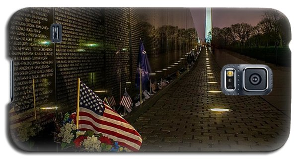 Vietnam Veterans Memorial At Night Galaxy S5 Case