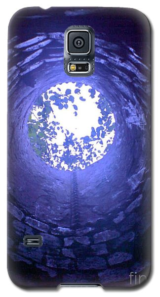 Galaxy S5 Case featuring the photograph View From Below by John Williams