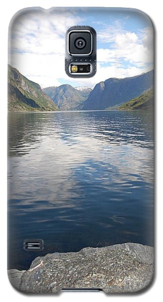 Galaxy S5 Case featuring the photograph View From The Village by Linda Prewer