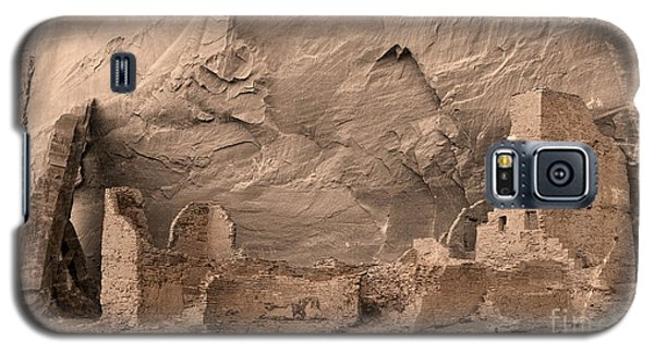 Galaxy S5 Case featuring the photograph Vintage Canyon De Chelly by Jerry Fornarotto